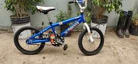 Bicicleta rodado 16 BMX Azul metalizado