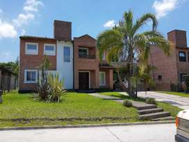 Alquiler Casa amoblada en Country de  Yerba Buena con pileta