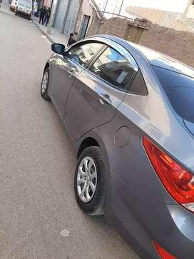 se vende Hyundai   accent   versión   full   cero choques  papeles en regla