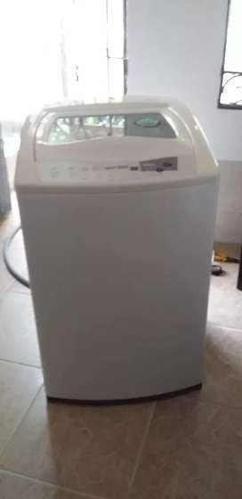 Vendo lavadora Electrolux de 12kls