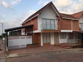 Casa esquinera, Cucuta / Los Patios