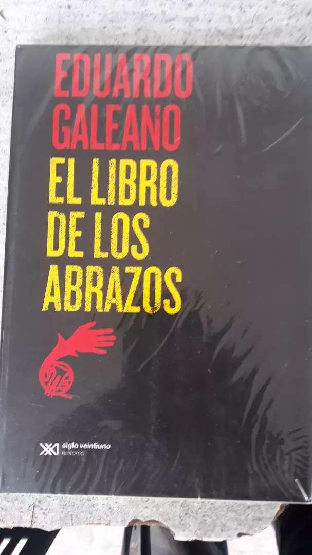 EL LIBRO DE LOS ABRAZOS (nuevo)