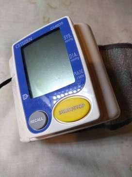 Tensiómetro de muñeca Citizen,CH 605 automático.