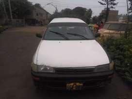 Venta de auto station wagon Toyota blanco Corolla DX