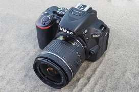 Camara Nikon D5600