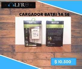Cargador (1A) + Cable V8 / Color blanco