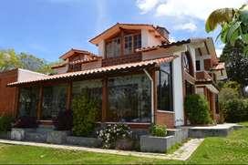 En Venta Casa con terreno de 2000 m2, a 45 Minutos de la Ciudad de Quito, Sector Picalqui.