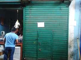 Venta local comercial ..mercado centenario