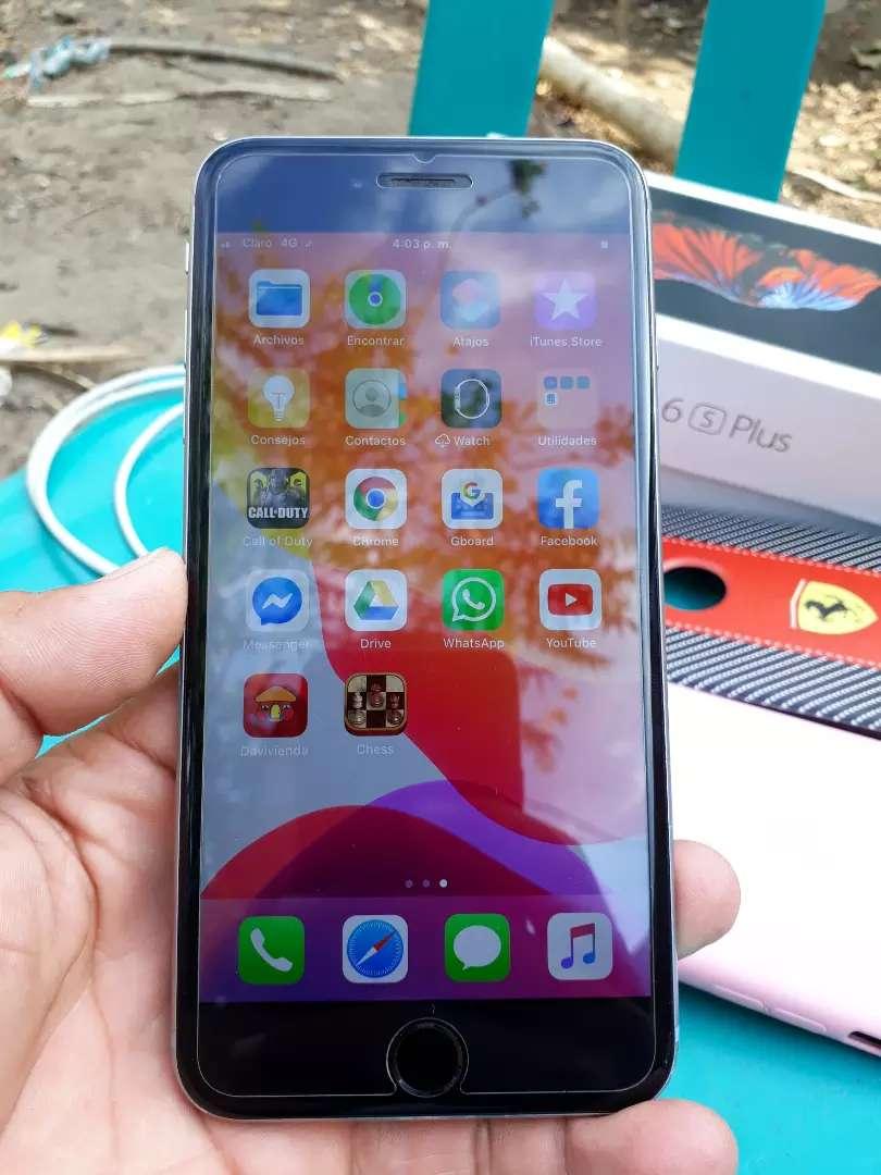 iPhone 6S Plus perfecto estado con su cargador y caja 0