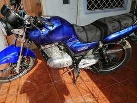 Oferta de venta moto deportiva SUZUKI en muy buen estado