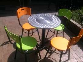 Juegos karla, juegos en acero, mesas y sillas
