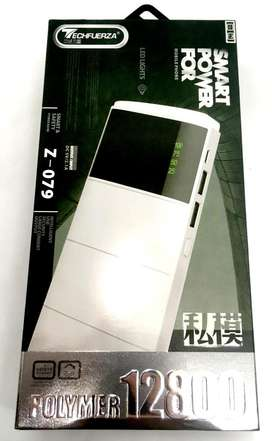 Power bank TechFuerza bateria de polimero de 12800 mAh