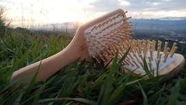 Cepillo para Cabello Hecho en madera Bambú