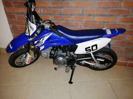 Venta de moto TTR50, con matricula