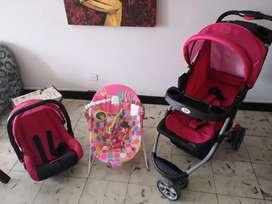 Coche, Porta Bebé marca Bium y mesedora musical con accesorio