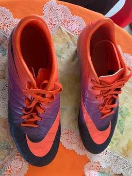 Guayos de fútbol Nike Hypervenom