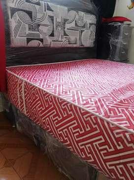 Base cama doble + colchón + espaldar +2 mesitas de noche