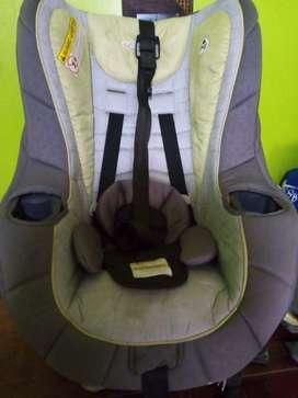 Silla de bebe para el auto