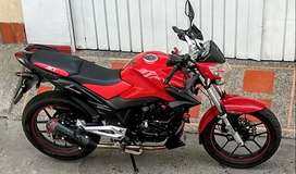 Se vende moto exelente estado