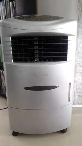 Enfriador de aire trabaja con agua bajo consumo de energía!!!