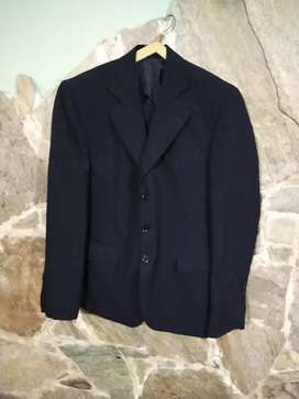 Vendo traje hombre talle 36 color negro impecable