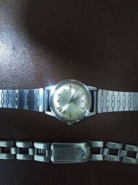 Vendo 2 relojes antiguos a cuerda. Rado presidente  y leonidas