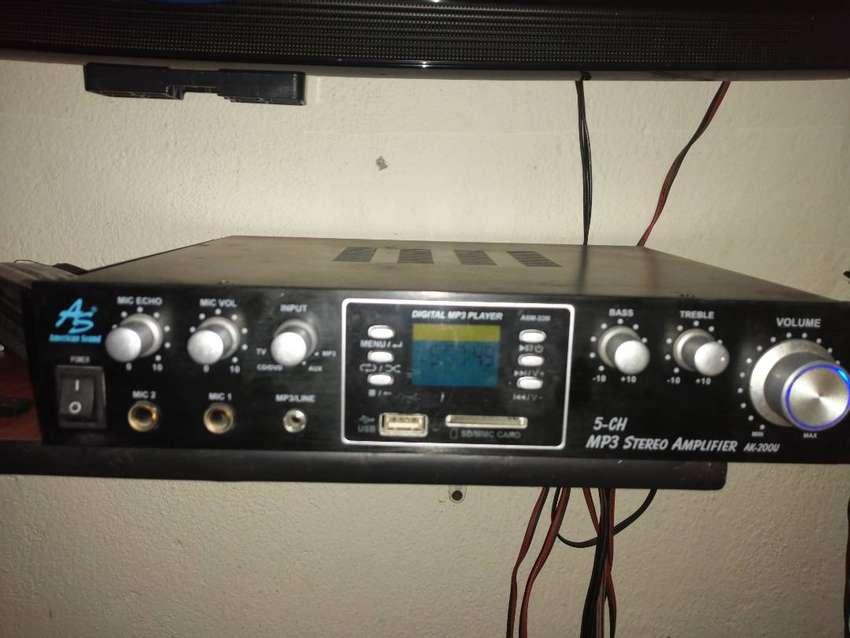 Se vende amplificador como nuevo 0