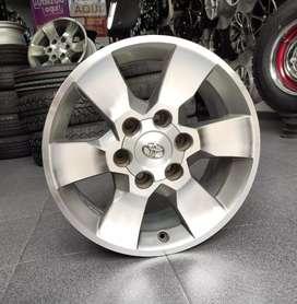 Rines 17 original de Toyota FJ