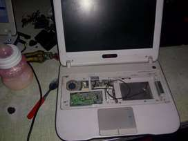 Netbook sin disco y sin teclado