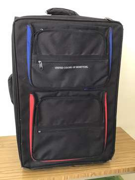 Por mudanza remato maleta de dos ruedas
