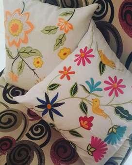 Cojines bordados personalizados