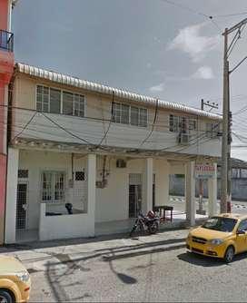 Casa Rentera en Venta En Esmeraldas 2 departamentos 2 locales comerciales 1 mini departamento