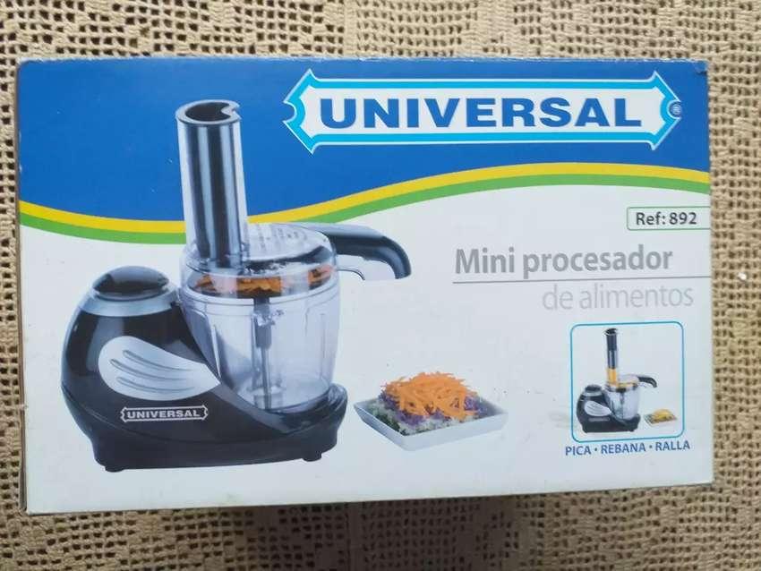 Mini procesador de alimentos marca universal 0