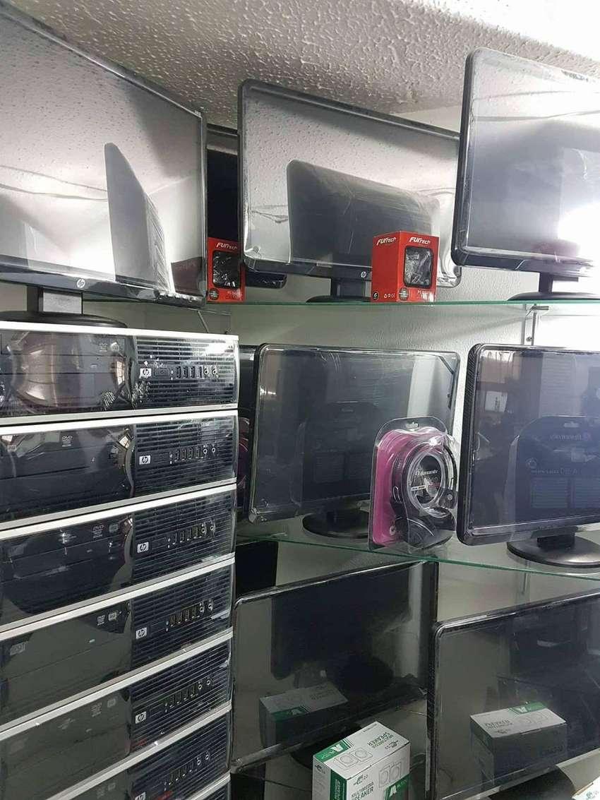 COMPUTADORES AMD MONITOR 20´