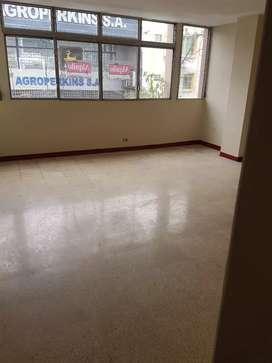 Quisquis 906 y Antepara, 1er piso Alquilo departAmento centro de Guayaquil