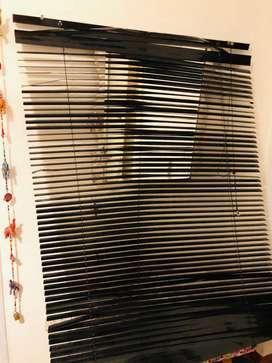 Vendo cortina americana de aluminio negra