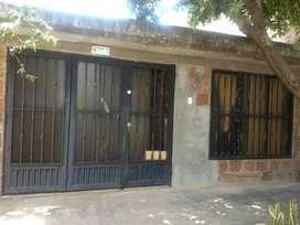 Casa en venta ,motivo viaje. Barrio Antonio Nariño. Lugar fresco todo el tiempo.