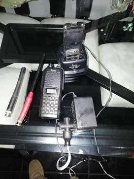 RADIO ICOM IC-V82
