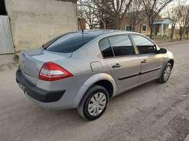 Renault Megane ll Confort 1.6 16V modelo 2011