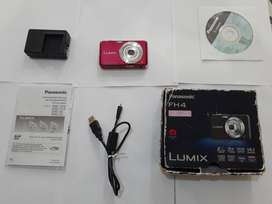 Cámara fotográfica Panasonic Lumix FH4 (en perfecto estado)