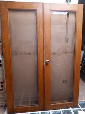 Puertas, Hermosa División en madera y vidrio