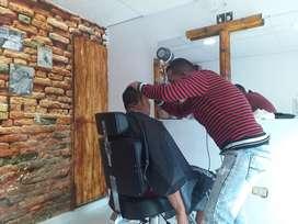 Alquilo puesto en barbería para pagar diario