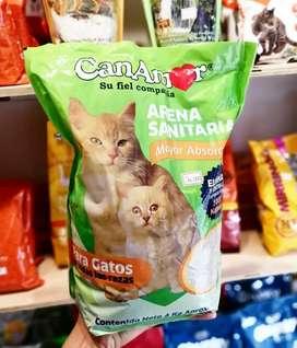 Vendo comida paa gato arena sanitaria y todo lo relacionado con gatos