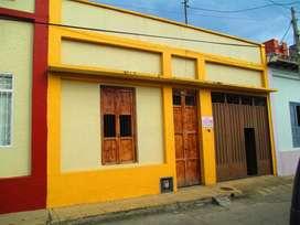 Se Vende Casa Grande Central. 290.000.000 negociables. Inf. 3202422203