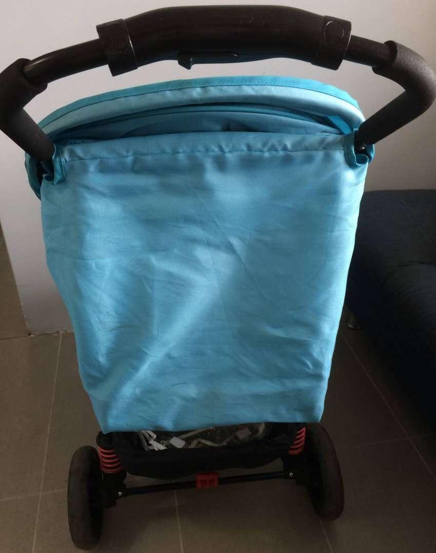 Coche Marca Priori. Color Azul. Incluye Porta Bebé 0