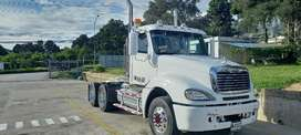 Tractomula freightliner columbia