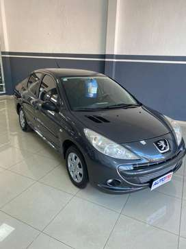 peugeot 207 xr 1.4 active-impecable-recibo menor