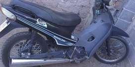 Vendo moto urgente muy buen estado pocos kilómetros