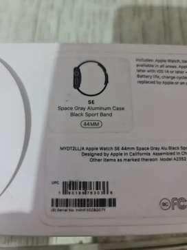Vendo hermoso Apple  serie Se como nuevo con todo como biene de 44