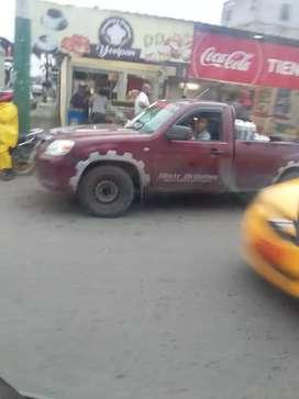 Vendo Mazda bt 50 o canvio con camion